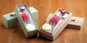 Paper and wooden boxed cleaning kits for shinken